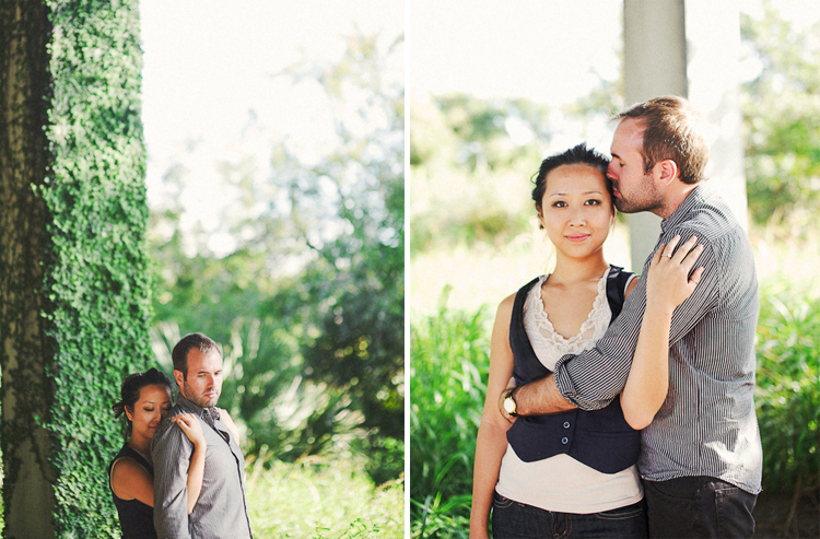 beautiful green ivy wall engagement pictures