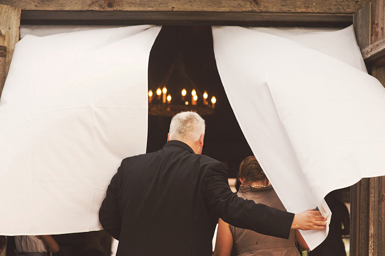 beautiful barn wedding photos
