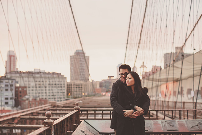 brooklyn bridge portrait session at sunrise