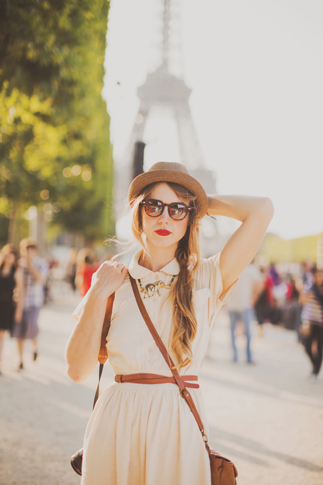 portraits in front of eiffel tower red lipstick