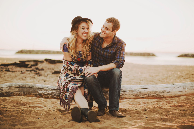beach engagement photos maryland