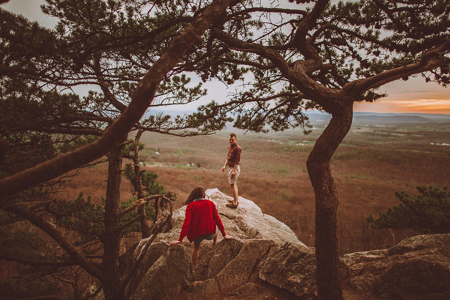 cliffside engagement session in maryland
