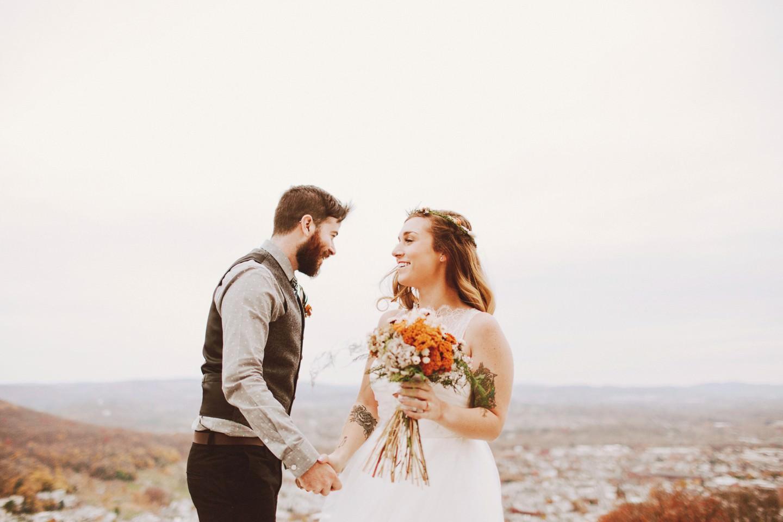hillside cliff wedding photos in pennsylvania