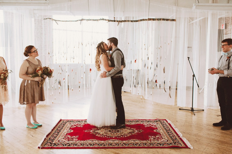 the kiss wedding