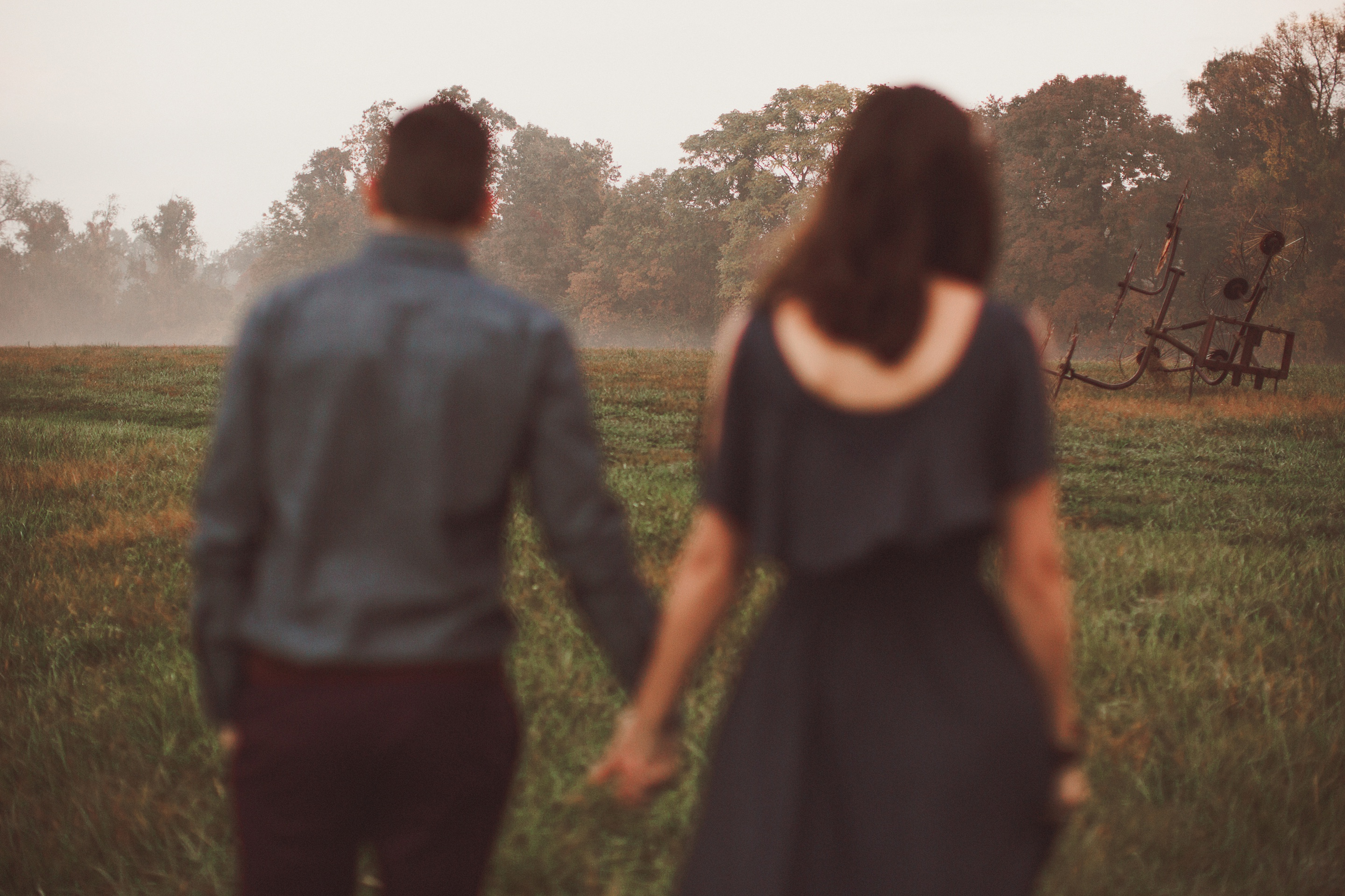 engagement photos on foggy morning